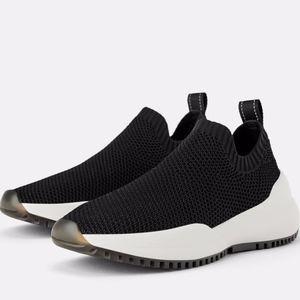 👟 NWT ZARA Black Stretch Fabric Sneakers 👟